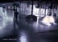 Polêmica: Câmera de segurança teria flagrado anjo descendo do céu. Verdadeiro ou falso? Veja o vídeo