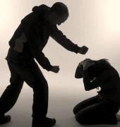 Mulheres cristãs vítimas de violência doméstica: orar ou denunciar?
