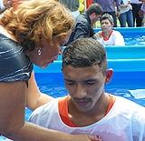 Primeiro batismo em uma penitenciária de segurança máxima tem 35 batizados