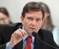 Ministro da Pesca Marcelo Crivella afirma que o PT ajuda os pobres a dar mais dízimo, e que por isso pastores deveriam aplaudi-lo