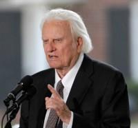 """Com idade avançada, evangelista Billy Graham afirma que edição 2013 da cruzada """"Minha Esperança América"""" pode ser sua última mensagem"""