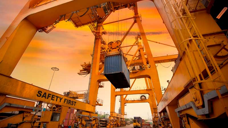 Automatización de los puertos exige la evolución del trabajador portuario