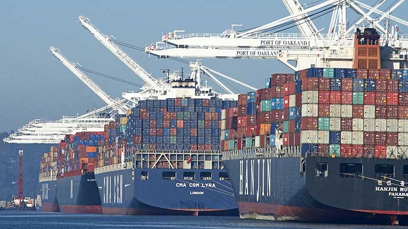 Diez líneas navieras controlan el 85% de la flota mercante global