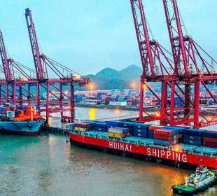 Congestión de puertos marítimos en China podría afectar a las fiestas decembrinas
