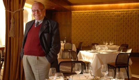 """El gran negocio está en los restaurantes baratos. Ahí se desarrolla la gran comida porteña: una mezcolanza de italiana con española, cosas criollas e influjo francés"""", decía en 2009."""