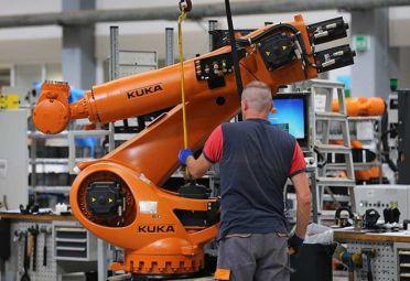 La Federación Internacional de Robótica (IFR) pronosticó que en 2018 habrá 35 millones de unidades de robots activos en la industria