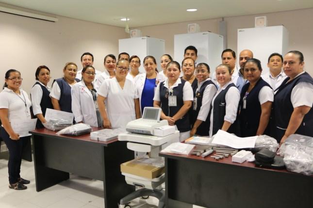 Entrega de equipo médico Hosp Rafael Pascacio Gamboa