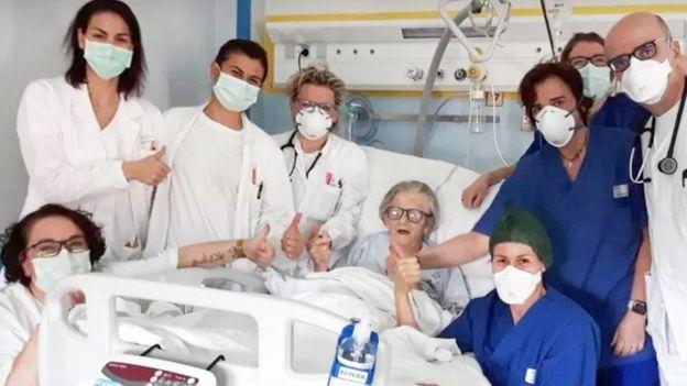 Con 95 años, mujer sobrevive al COVID-19 1
