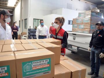 Inicia Claudia Pavlovich entrega de apoyo en Sonora  con Paquetes de Seguridad Alimentaria 8