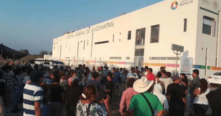 Pobladores de Axochiapan, Morelos amenazan con quemar hospital si atiende a enfermos de COVID-19 1