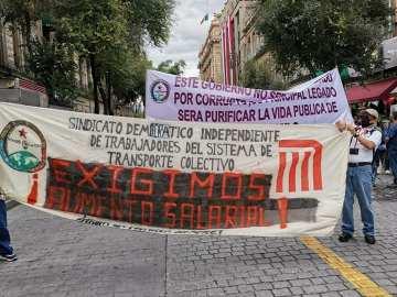 Metro de la CDMX cumple 51 años de vida, trabajadores inconformes realizan marcha 1