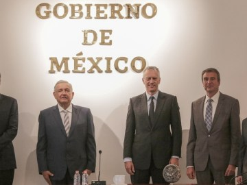 AMLO se reúne con James Quincey, CEO global de Coca-Cola a nivel mundial 11
