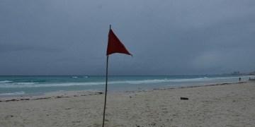 En Quintana Roo suspenden actividades no esenciales por paso de tormenta tropical 'Zeta' 3