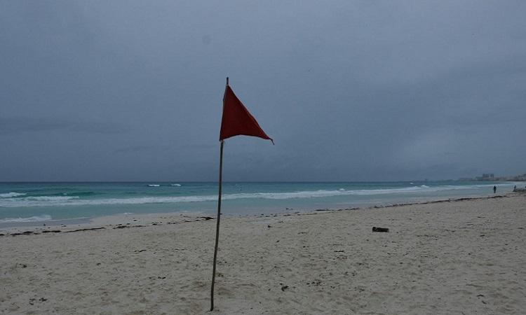 En Quintana Roo suspenden actividades no esenciales por paso de tormenta tropical 'Zeta'