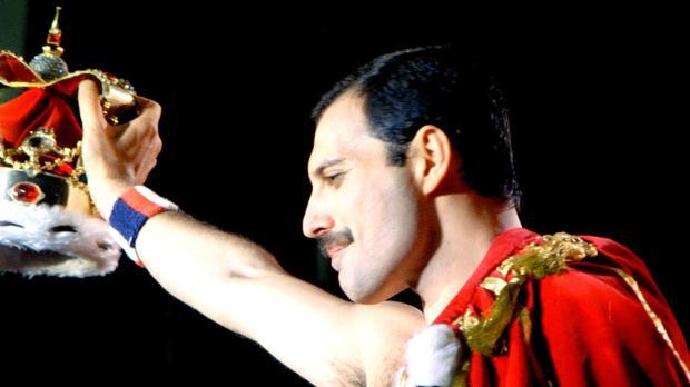 A 29 años de la muerte de Freddie Mercury, así lo recordamos 13