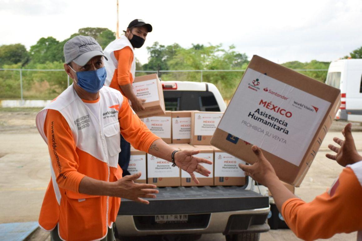 Apoya Fundación Gigante a damnificados en Tabasco 4