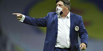 """A través de un comunicado, Club América anuncia la salida de Miguel """"Piojo"""" Herrera 12"""