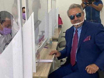 """Carlos Villagrán, """"Kiko"""" se registra como precandidato a la gubernatura de Querétaro 4"""