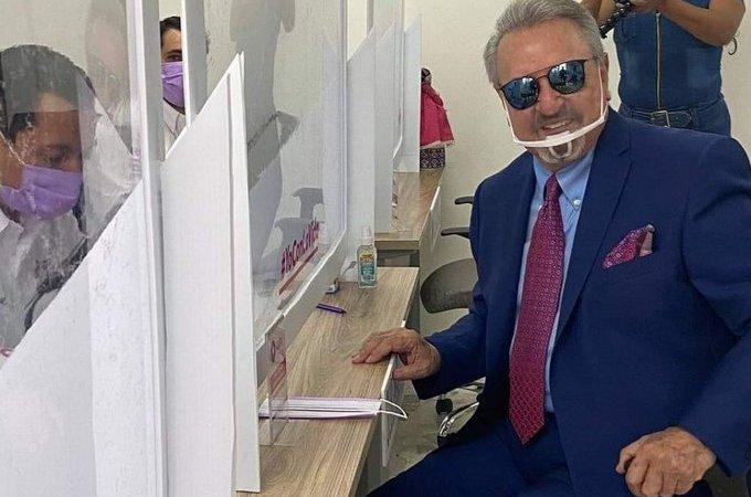 """Carlos Villagrán, """"Kiko"""" se registra como precandidato a la gubernatura de Querétaro"""