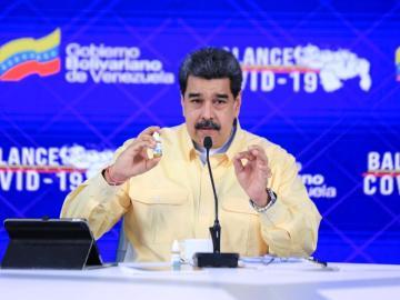 """Nicolás Maduro presenta Carvativir, gotas """"milagrosas"""" que """"neutralizan"""" el Covid-19 al 100% 9"""