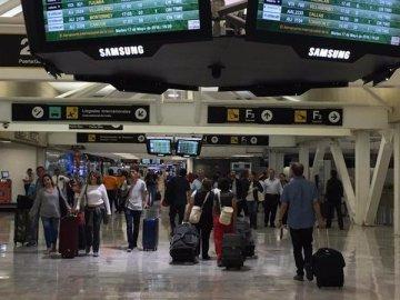 Por pandemia, Canadá suspende vuelos a México y el Caribe hasta el 30 de abril 9