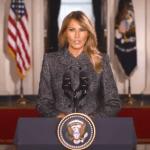 """Melania Trump se despide de la Casa Blanca y llama a:  """"Escoger el amor sobre el odio, la paz sobre la violencia"""" 3"""