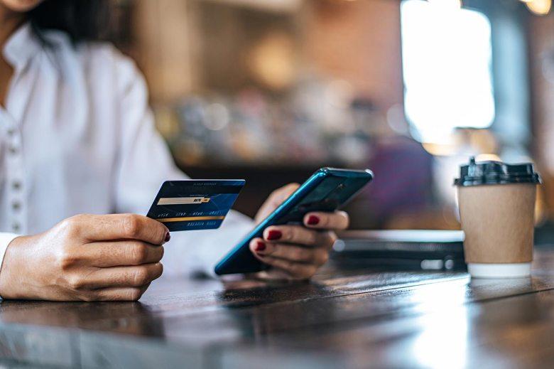 ¿La nueva batalla de los servicios financieros se librará en el celular?