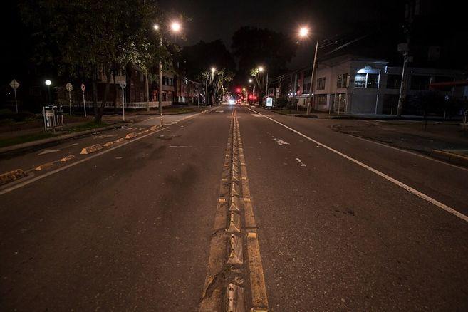 Toque de queda nocturno en Bogotá comienza este martes: esto es lo que debe saber