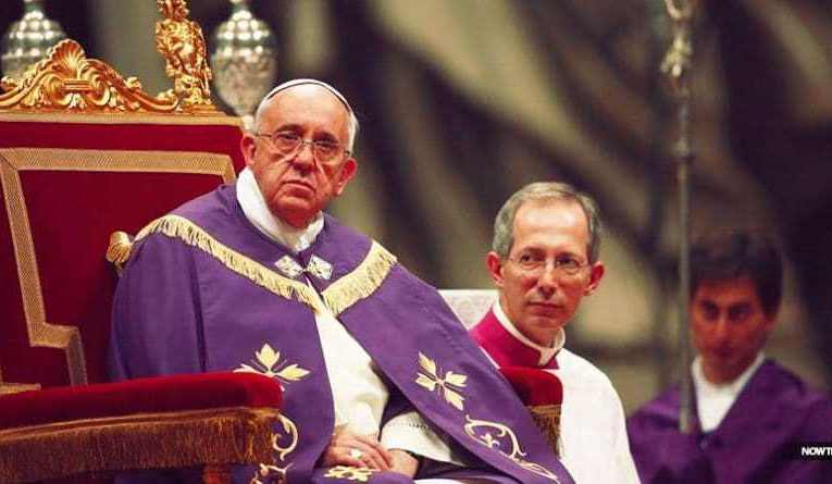 """El papa dice que Jesús nació """"en el seno de la iglesia"""" ¿adiós virgen María?"""