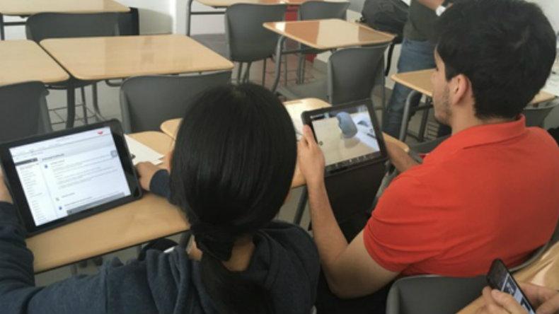 Estudiantes de la UPC utilizan aplicación de realidad aumentada en curso de odontología