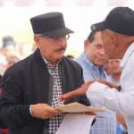 Danilo celebra sus 68 años de vida con visita sorpresa a pequeños ganaderos