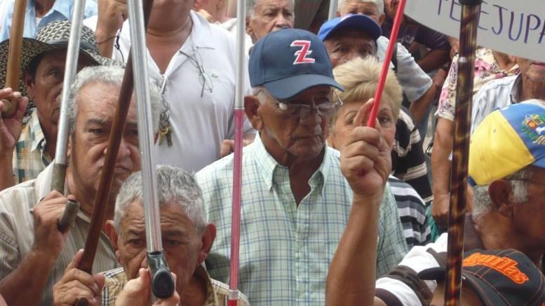 abuelos protestan