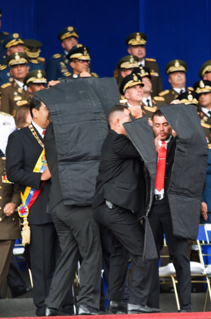 Atendado perpetrado contra el Presidente Maduro