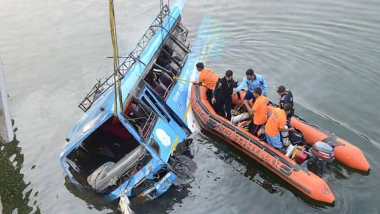 40-muertos-autobus-India-2