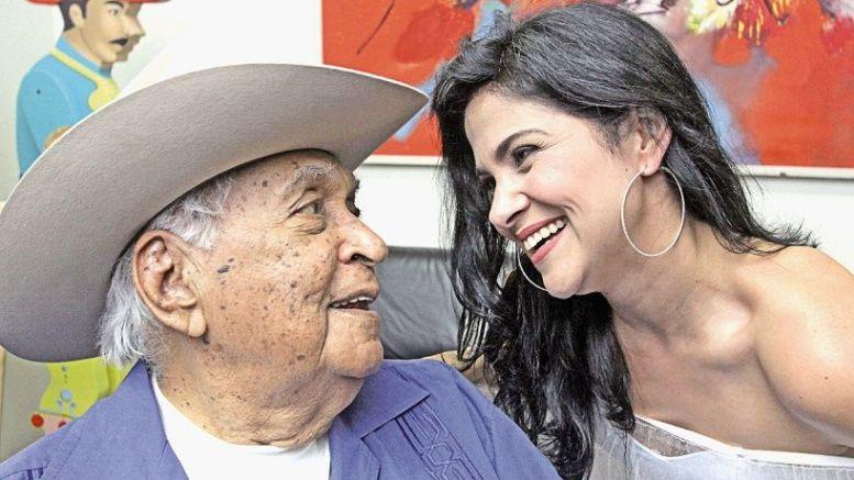 Annaé Torrealba y su abuelo Juan Vicente Torrealba