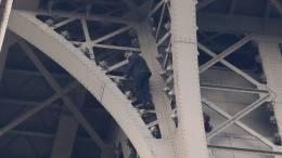 escalador de la torre eiffel