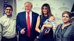 trump con bebe huerfano
