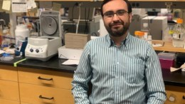 Virólogo colombiano Javier Jaimes