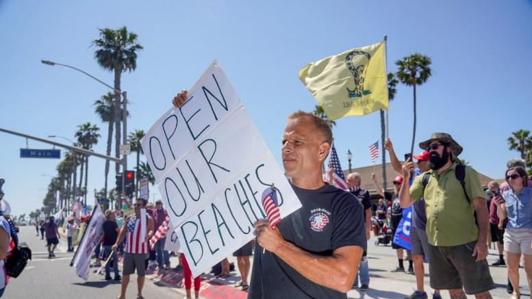 Protestas en EEUU piden reabrir las playas
