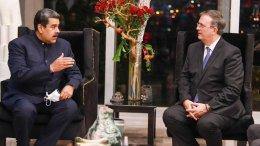 Maduro junta al canciller mexicano