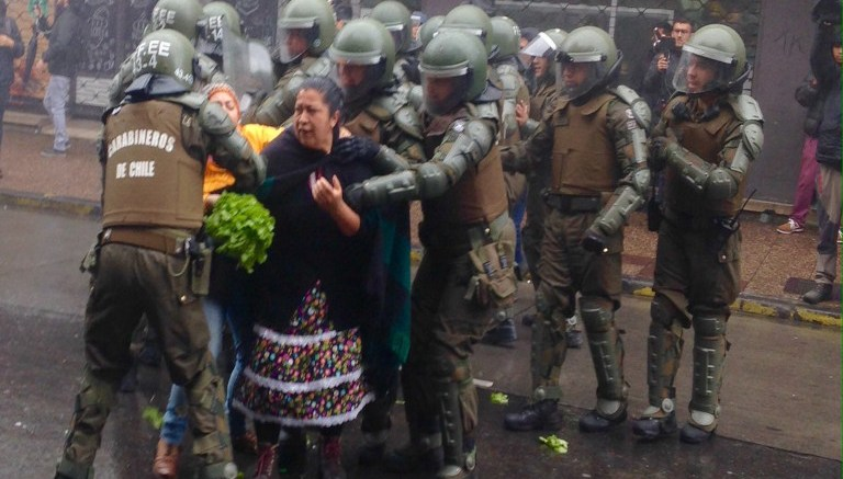 Represión de carabineros de Chile