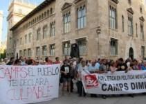 42bfbea03cce865b2f6f3be1a87895b7 - Unas 150 personas piden que dimita Camps frente al Palau de la Generalitad
