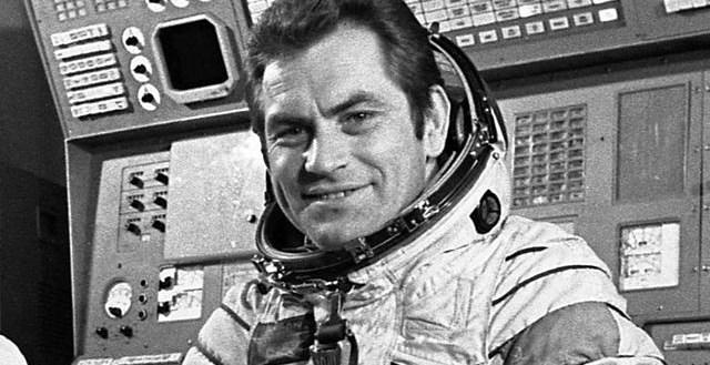 4653e069ed7369840191e8bf38ab8dc9 - Vi por la ventana un objeto no identificado Afirmo el cosmonauta Vladimir Kovalenok