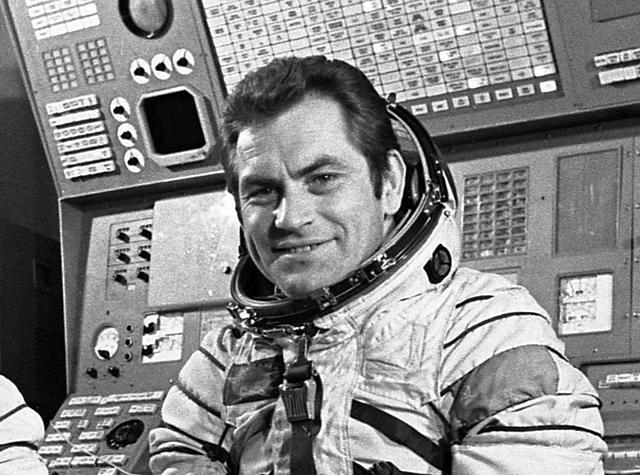 No creo que, cuando los astronautas dicen que no han visto nada raro en el espacio