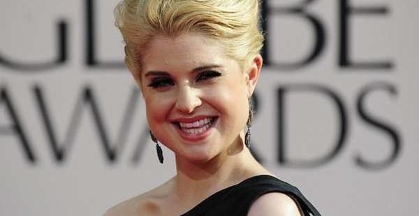 ec9e5d4418cddeb916f54861fa51abb5 - Kelly Osbourne insulta a Christina Aguilera en TV
