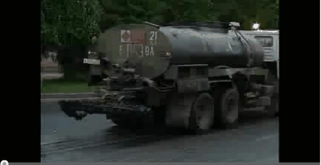 7c2e21b66fe2092f2389d5d702456712 - Esto es lo que pasa cuando cruzas una calle a medio asfaltar
