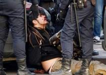 """9b1adb45b953b7472c99dec511652a8a - Así trata la Policía en Valencia al """"enemigo"""": porrazos, agresiones a estudiantes y diputados…"""