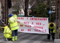 ff1081c09a14e340858d79bf35d9d306 - Los trabajadores de transporte sanitario de Guadalajara siguen su protesta
