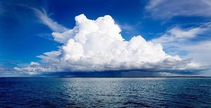 528b8eebeca881e9ab35bdfd4eb1e134 - Las nubes bajan de altura para proteger a la tierra