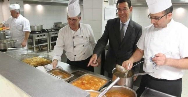 bce0f859edd7399a9211f0de3e5e0a10 - Un hotel de Benidorm se ofrece a alimentar a familias sin recursos para no tirar la comida sobrante